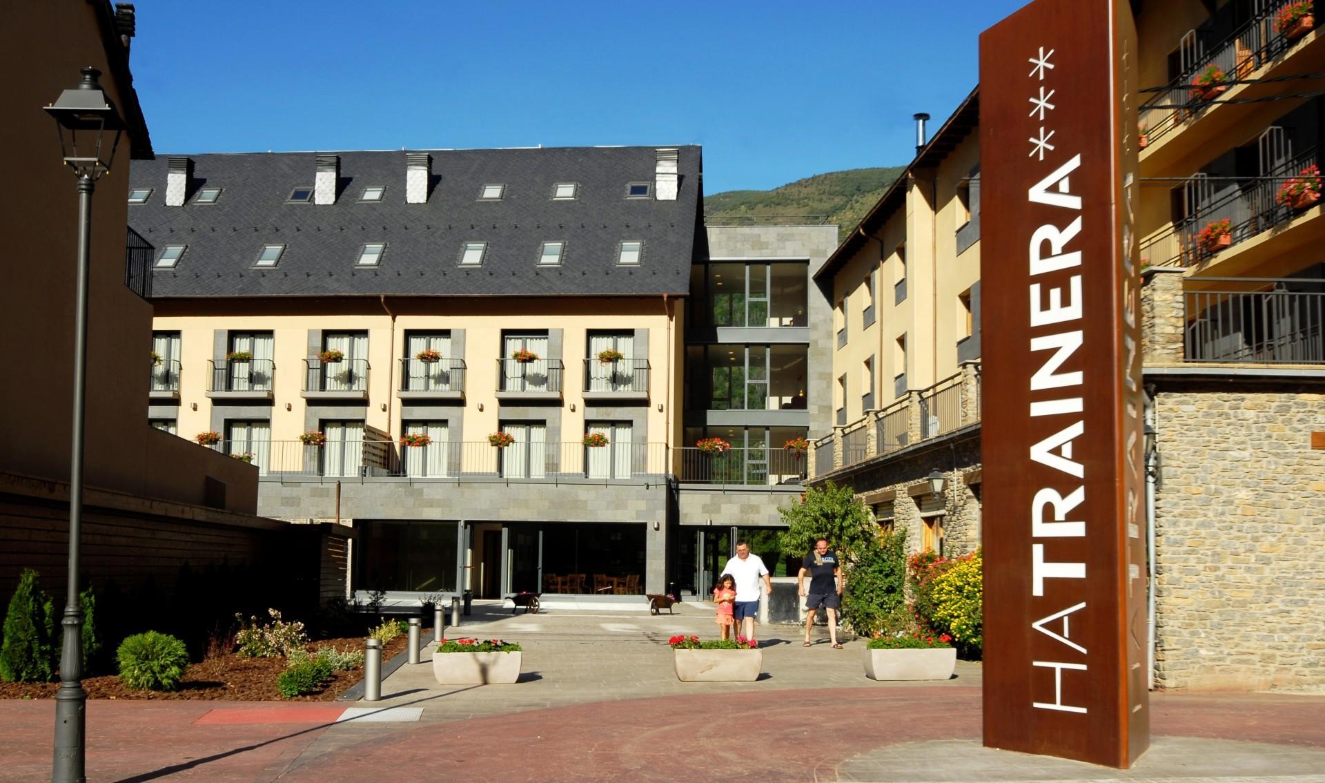 HOTEL APARTAMENTS TRAINERA in ESTERRI D'ÀNEU